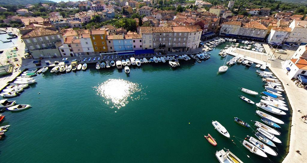 Croazia isole. L'isola di Cherso è una delle principali isole settentrionali della Croazia e del Mare Adriatico