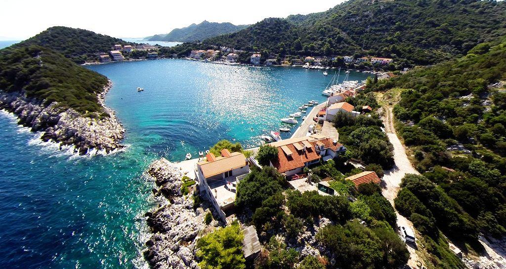 Croazia dove andare al mare. Isola di Lastovo. L'isola è nota per la sua architettura veneziana del XV e XVI secolo.