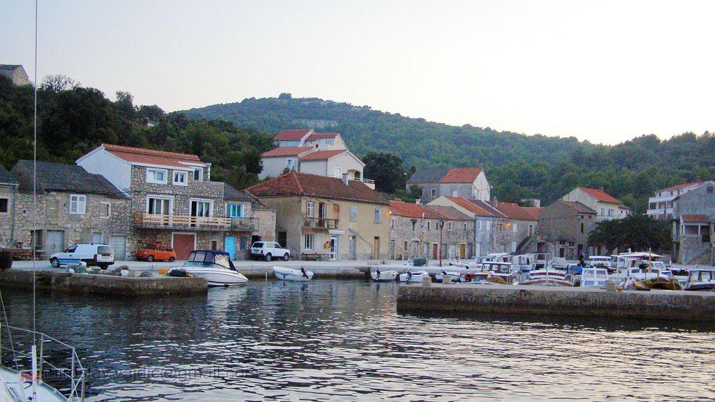Isole della Croazia cartina. Iž (Eso) è un'isola dell'Arcipelago di Zadar all'interno dei confini croati del Mare Adriatico.