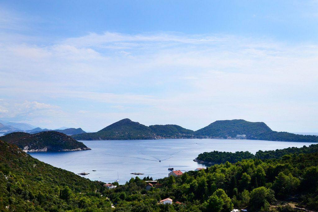 Isole Croazia vacanze. Šipan (pronunciato anche Sipano, italiano: Giuppana) è la più grande delle isole Elafiti, 17 km a nord-ovest di Dubrovnik, in Croazia