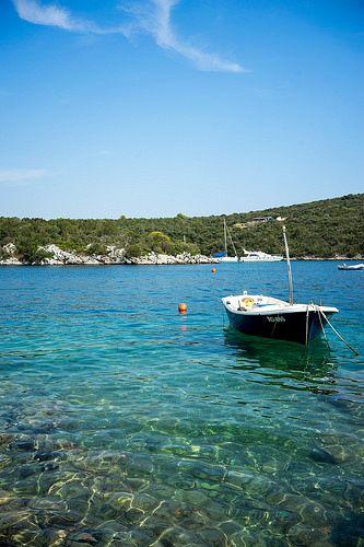 Isole in Croazia. Isola di Solta si trova nel Mar Adriatico nell'arcipelago della Dalmazia centrale, a ovest dell'isola di Brac, a sud di Spalato, separata dal canale di Spalato.
