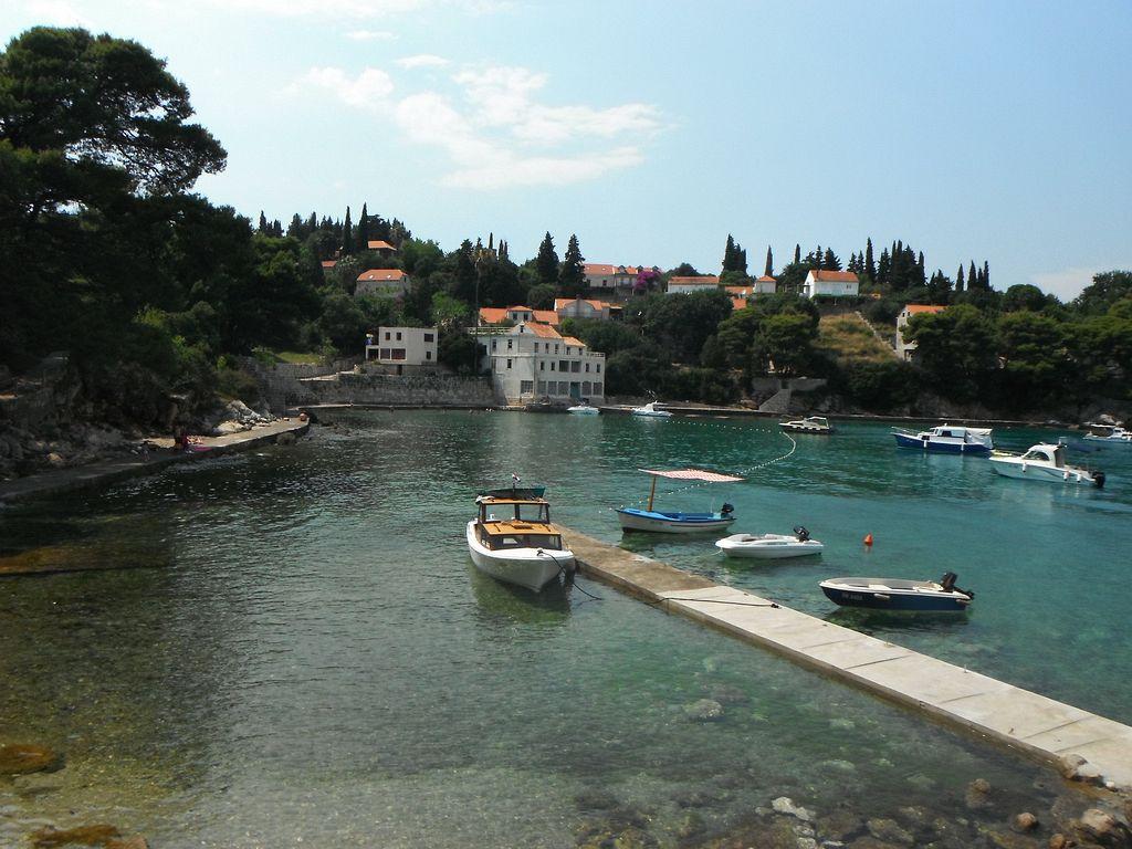 Croazia mare dove andare. L'isola di Koločep (Calamotta) è una delle tre isole Elafiti abitate situate vicino alla città di Dubrovnik