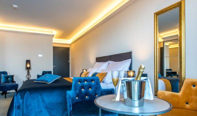 """Boutique hotel Acacia dispone di 8 camere molto confortevoli e accuratamente progettate. Si può davvero dire che l'arredamento è """"fresco"""", poiché l'hotel ha iniziato a funzionare nel giugno 2018."""