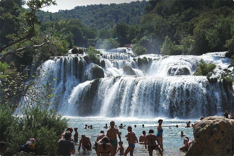 Croazia cosa vedere. Il paese rappresenta una varietà larga di terreno. Nelle aree settentrionali si trovano laghi, colline e pianure.