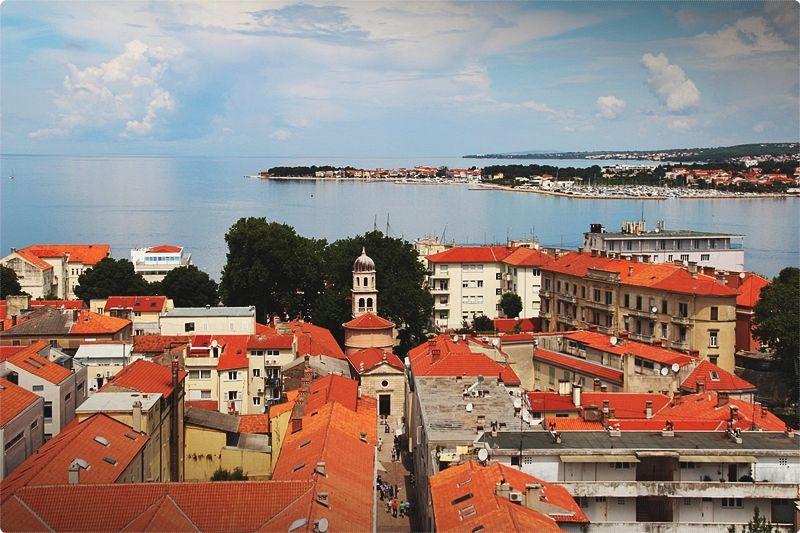 Il centro di Zara occupa una stretta penisola che si affaccia sul Canale di Zadar