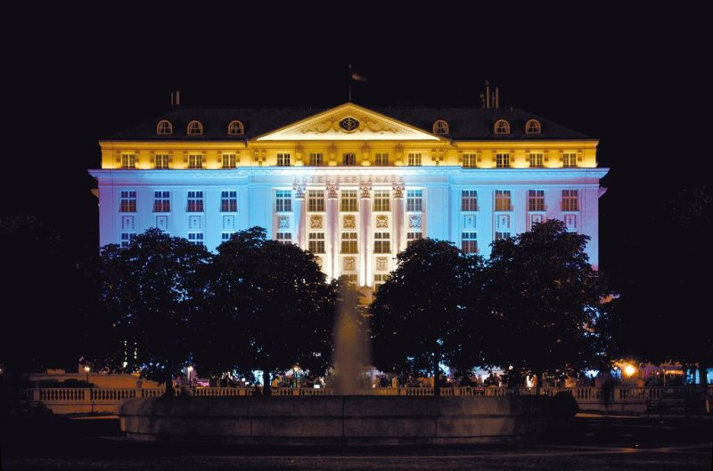 Esplanade Zagreb Hotel. Albergo a 5 stelle situato nel centro di Zagabria, proprio accanto alla Stazione Ferroviaria Principale di Zagabria
