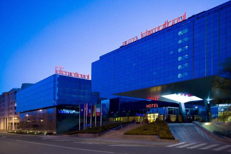 Situato in una posizione privilegiata nel centro degli affari di Zagabria, a pochi passi dal centro storico, l'Hotel International offre varie e moderne aree per conferenze e banchetti
