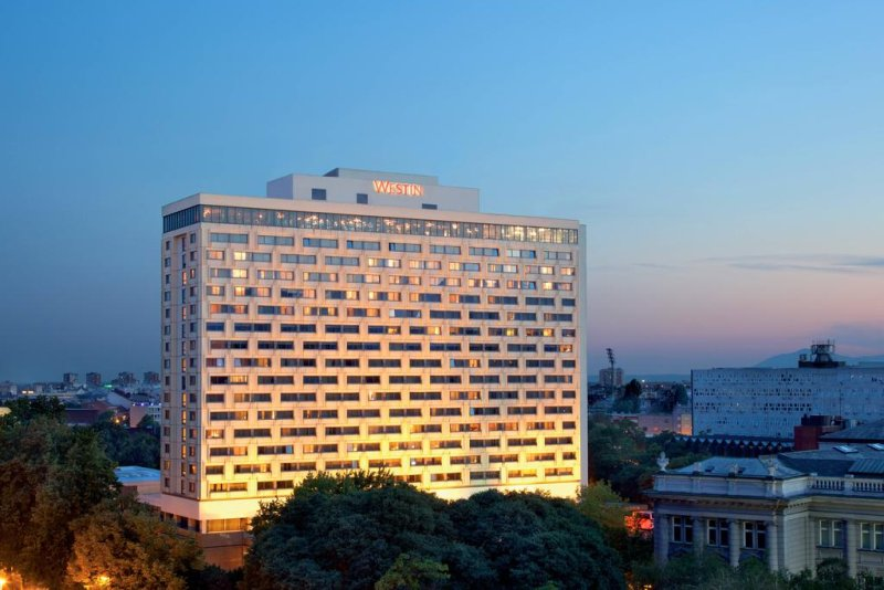 Westin Zagreb. Quest'hotel a 5 stelle di Zagabria si trova a pochi passi dal centro e dalle caffetterie esterne.